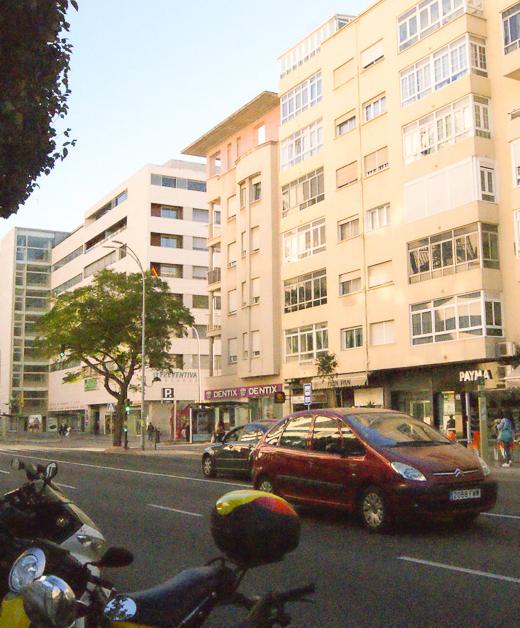 magnifica vivienda en la avenida frete al hospital