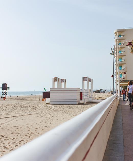 piso en pleno paseo maritimo con vistas a la playa victoria